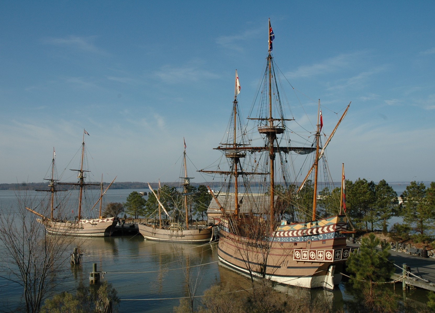 a history of jamestown In 1606, some 105 adventurers set off from england to try and establish the first  permanent english colony in the new world they settled in what is now the.